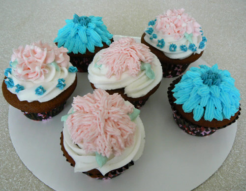 Easy Flower Decorated Cupcakes